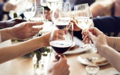Ristorazione: decaduto il limite di 6 persone per tavolo al chiuso in zona bianca